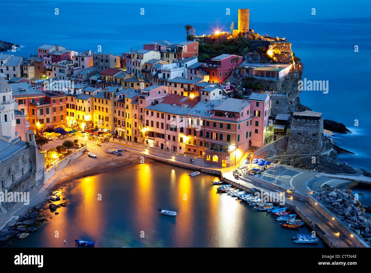 Vista de Vernazza.Parque Nacional de las Cinque Terre (Liguria, Italia) Imagen De Stock