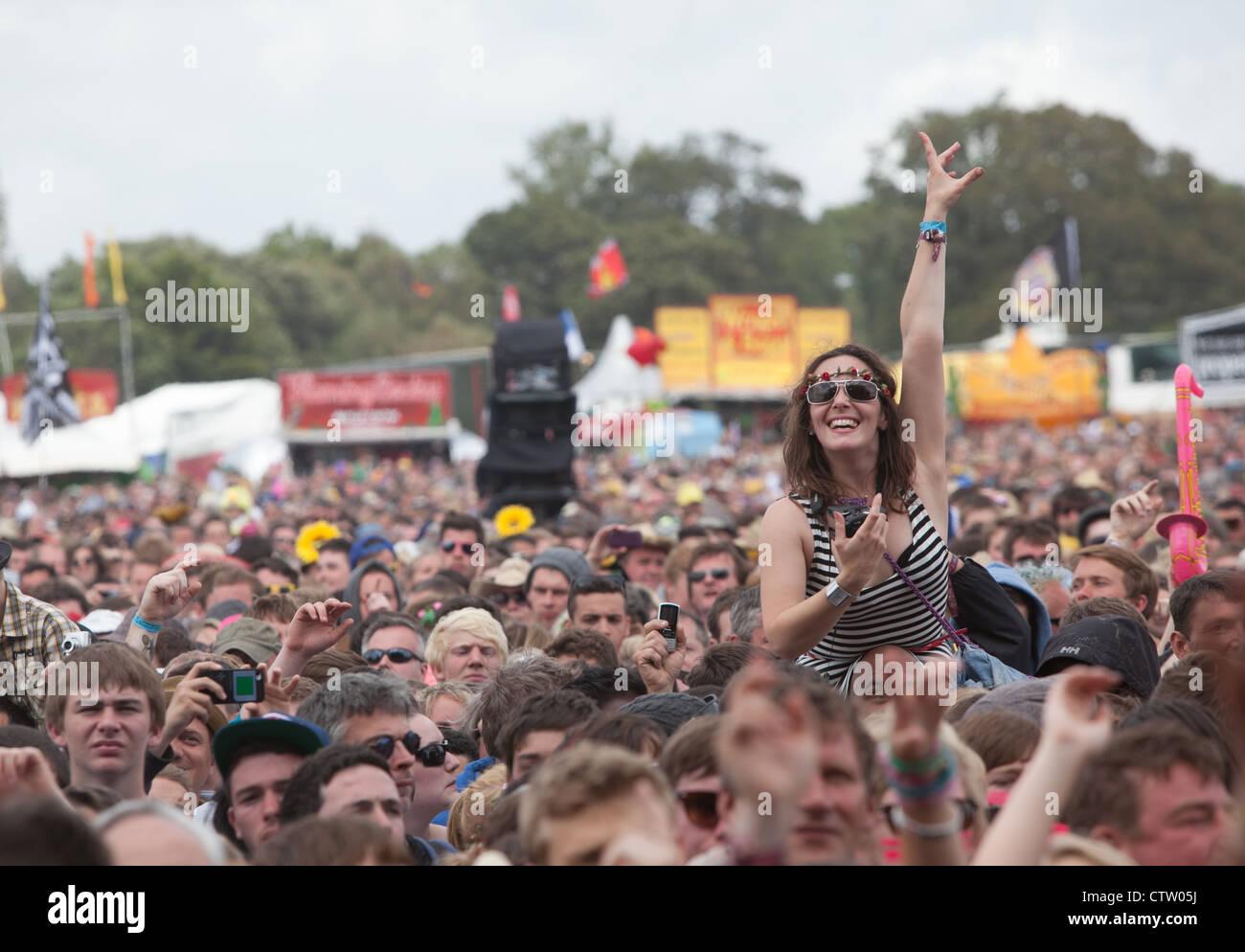 Muchedumbre en un festival de música Imagen De Stock