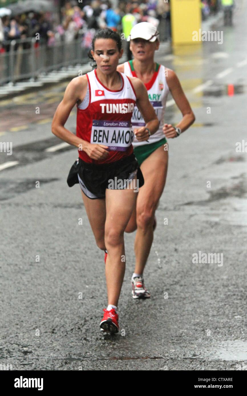 Amira Ben Amor Túnez mujer maratón Olímpico de Londres 2012 Imagen De Stock