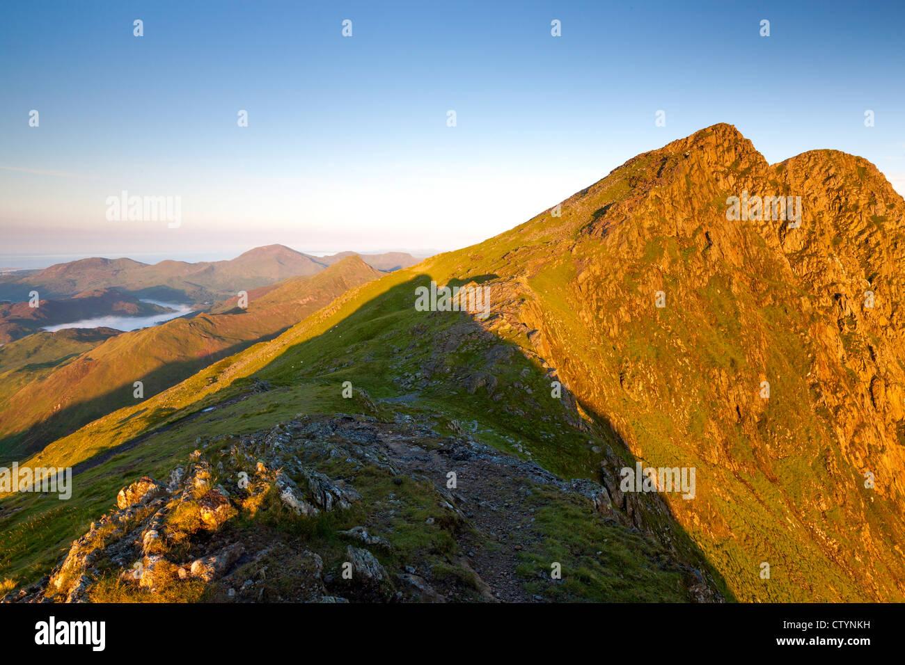 Y Lliwedd, el Snowdon Horseshoe, el Parque Nacional de Snowdonia, Gwynedd, Gales, Reino Unido, Europa Foto de stock