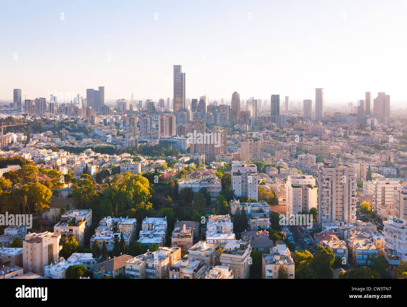 Tel Aviv y Ramat Gan Skyline al atardecer Imagen De Stock