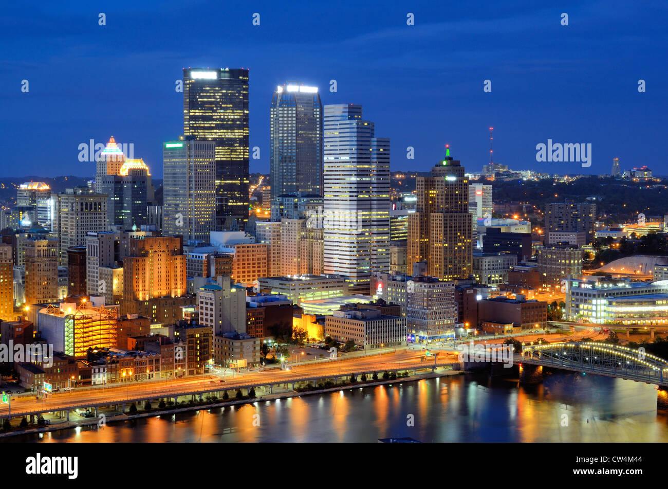 Rascacielos en el centro de Pittsburgh, Pennsylvania, Estados Unidos. Foto de stock