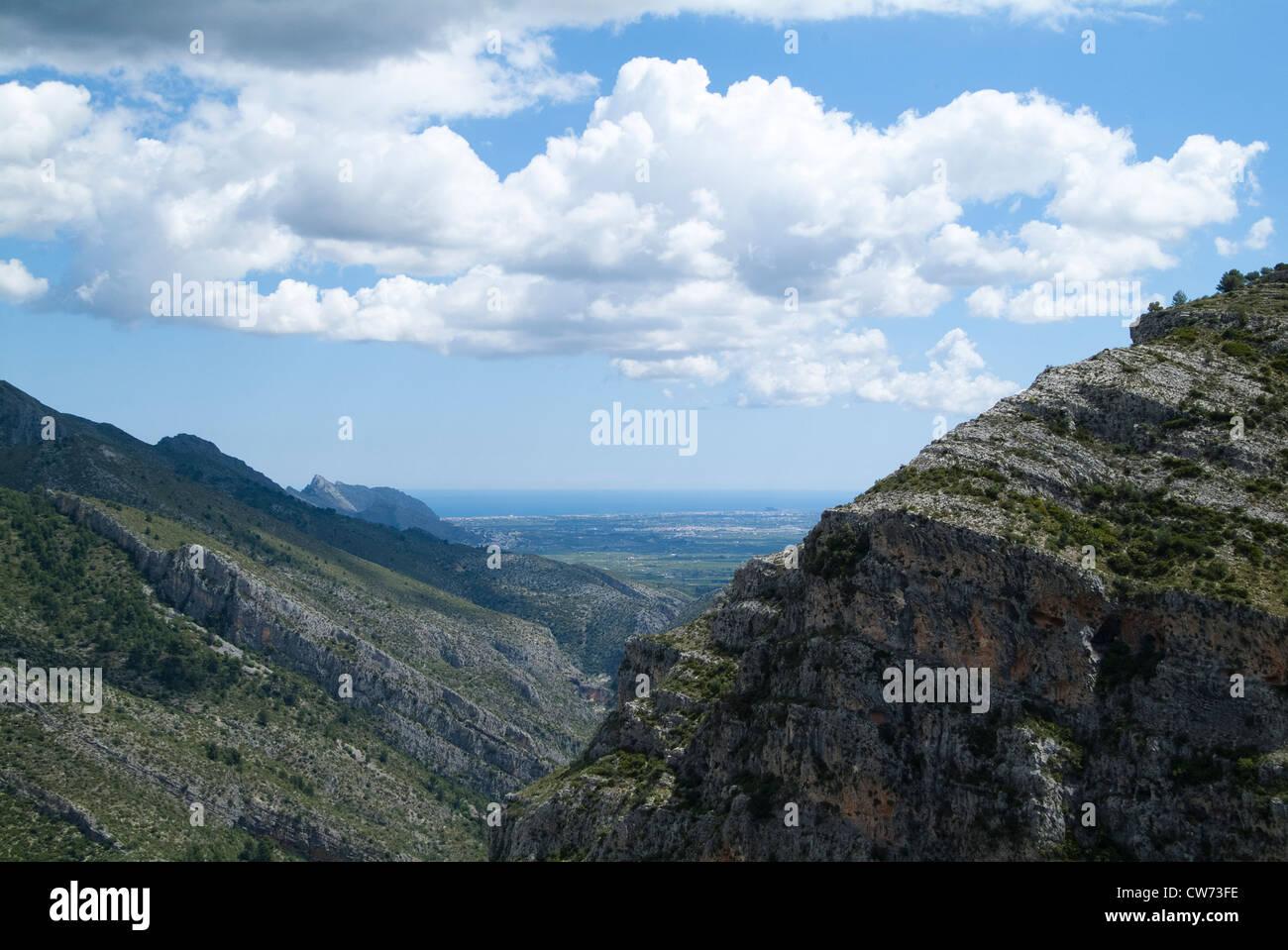 Senderismo en la Vall de Laguar, en la provincia de Alicante