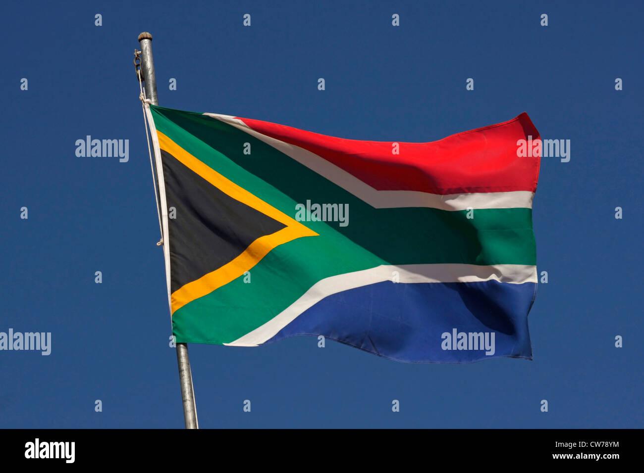 Sur bandera Afrikan aganst blue sky, Sudáfrica Foto de stock