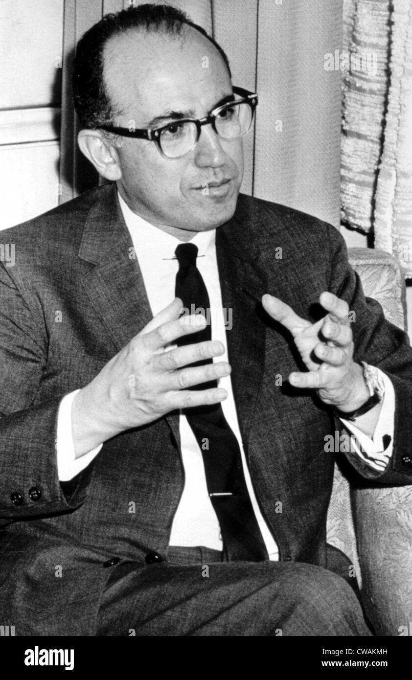 Jonas Salk, 1950. Cortesía: CSU Archives / Everett Collection Foto de stock