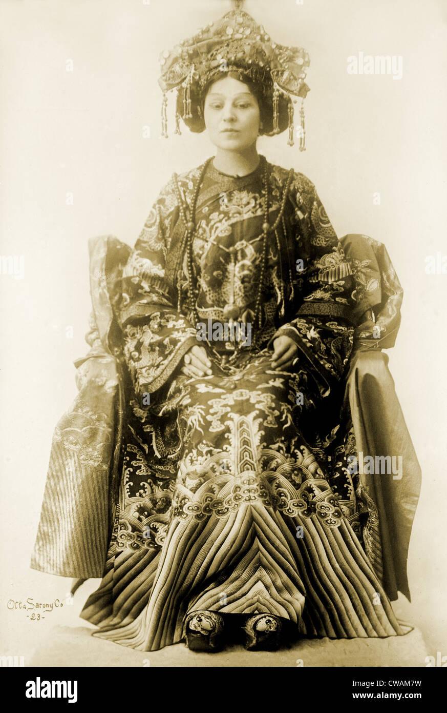 Viola Allen (1869-1948), etapa de la actriz americana, en el espectáculo dramático por Pierre Loti y Judith Gautier, Foto de stock