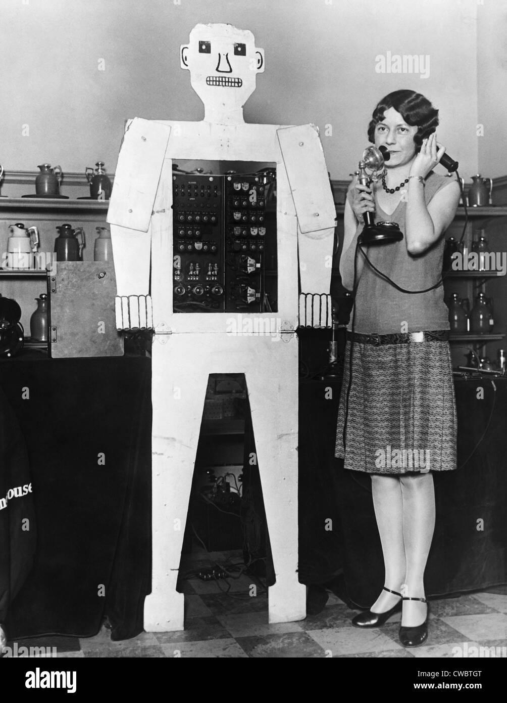 El Sr. Televox, fue diseñado por Westinghouse para promover un pronto control remoto, el dispositivo de conmutación Televox. El robot fue Foto de stock