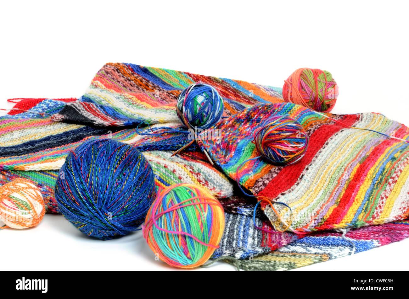 Lana multicolor listo para tejer Foto de stock