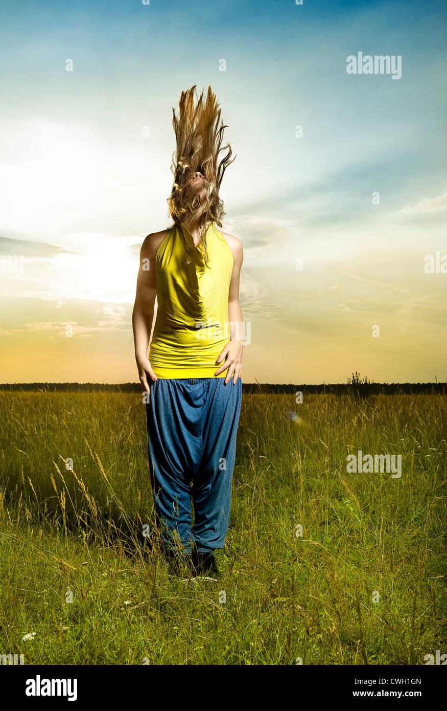 Mujer joven,individualidad,originalidad,moda Foto de stock