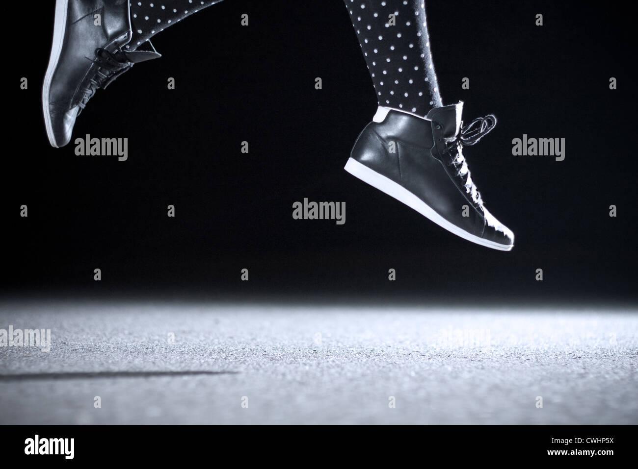 Saltar,la cultura juvenil,saltar,eufórico Imagen De Stock
