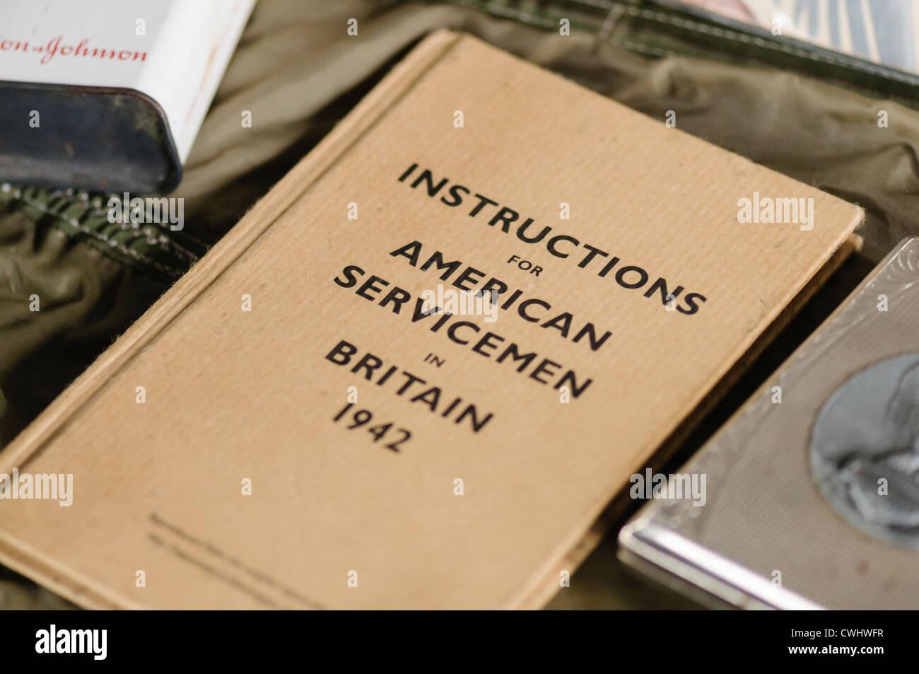 Libro publicado por el ejército de EE.UU. dando instrucciones para militares estadounidenses en Gran Bretaña, Imagen De Stock