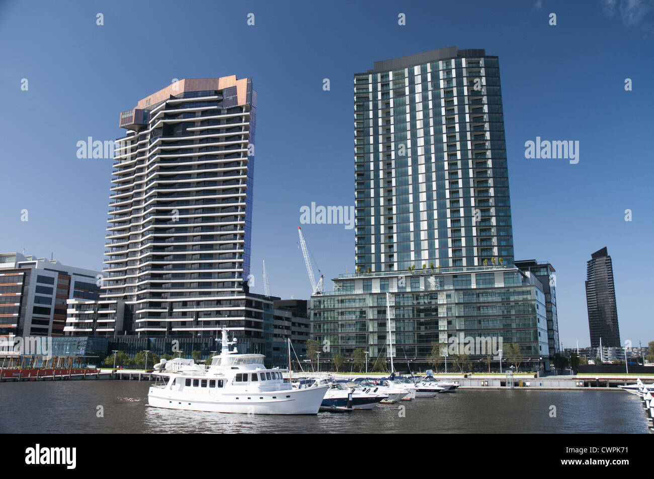 Docklands Apartments Imágenes De Stock & Docklands Apartments Fotos ...