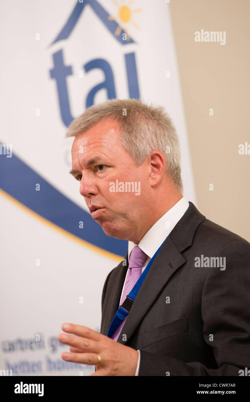 Steve Jones, Director Ejecutivo, Tai Ceredigion asociación de vivienda . Gales UK Imagen De Stock