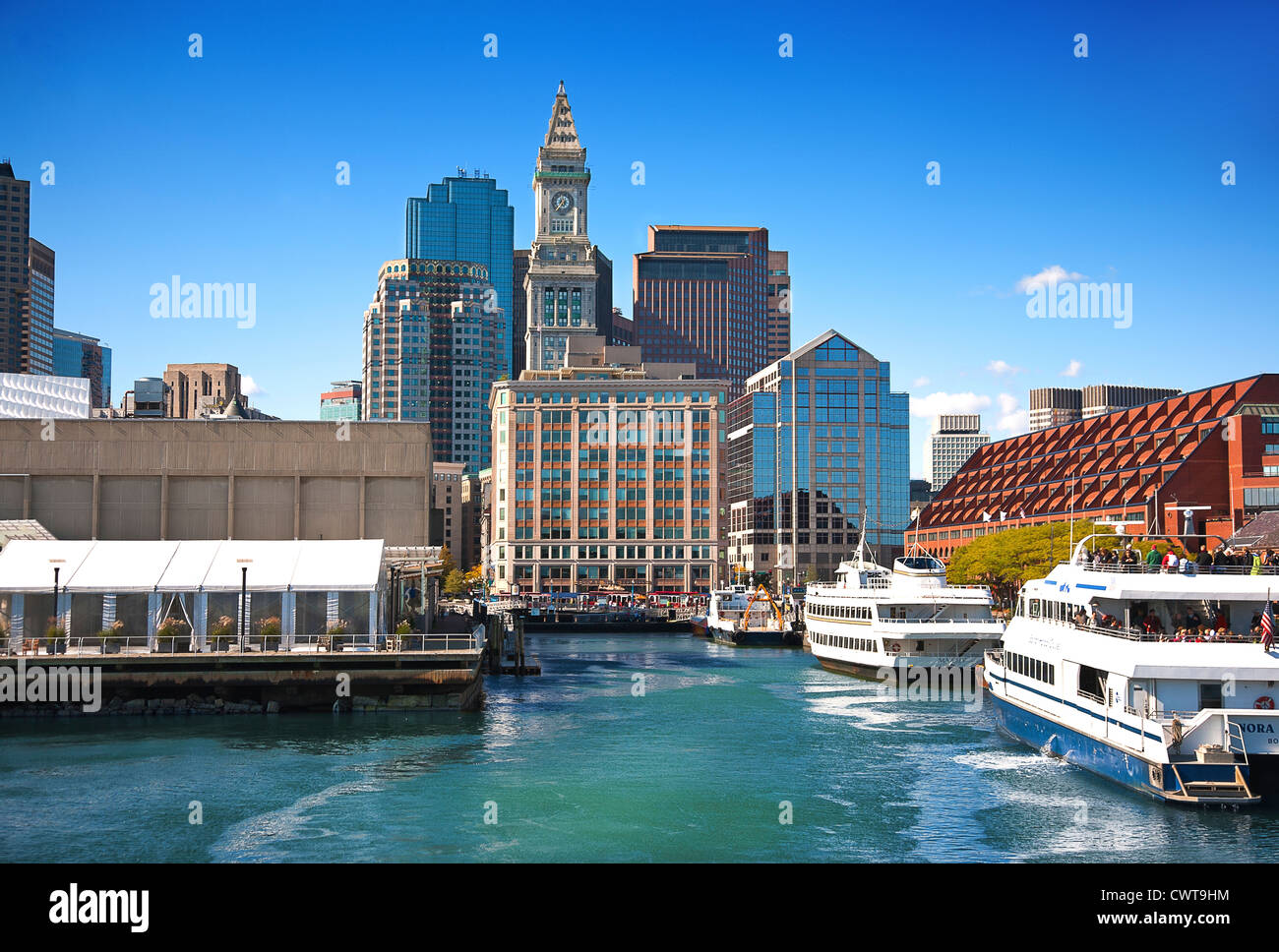 Ee.Uu. Massachusetts Boston harbour mostrando custom house torre. Imagen De Stock