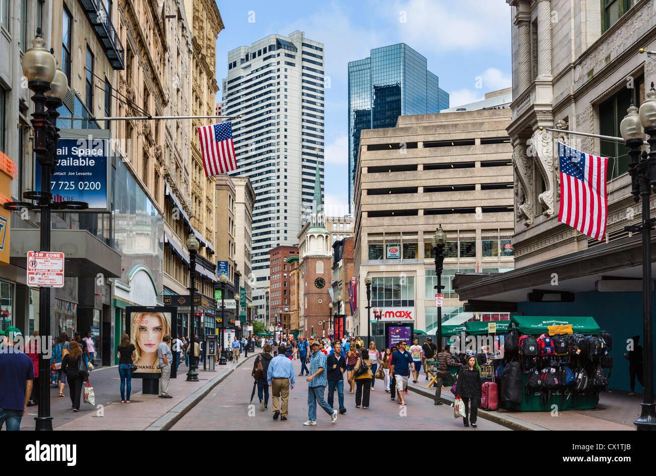 Tiendas en la calle Washington en el centro de la ciudad, Boston, Massachusetts, EE.UU. Imagen De Stock