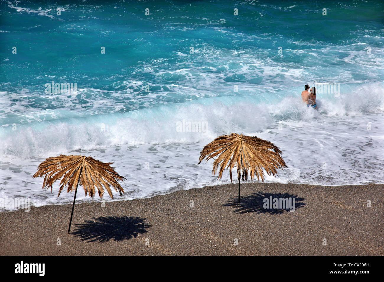 Hermosa playa conocida como 'Maliou ryaki' (también como 'Azul' o 'Sea cuevas cuevas') Imagen De Stock
