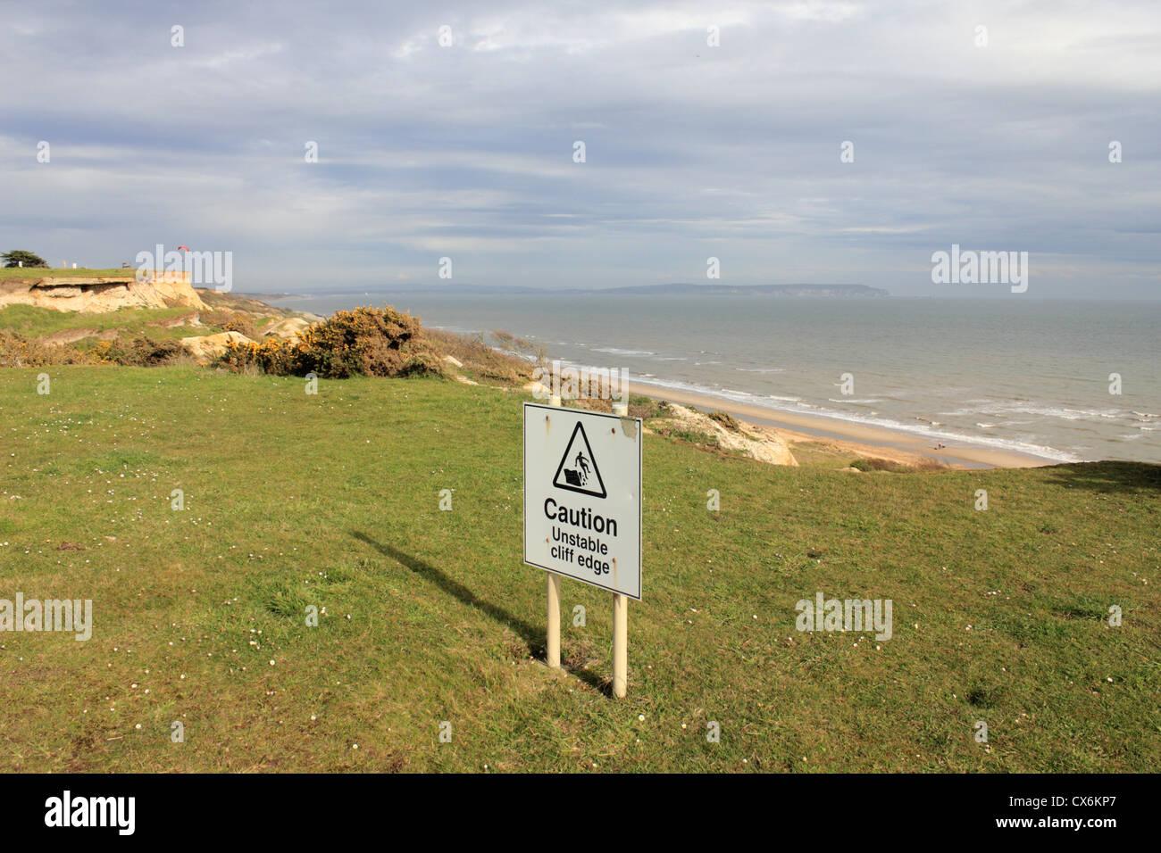 Cliff erosión entre Barton sobre mar y Highcliffe, Dorset, Inglaterra Foto de stock
