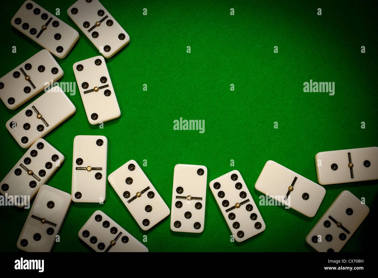Bastidor del dominó, borde o fondo Imagen De Stock
