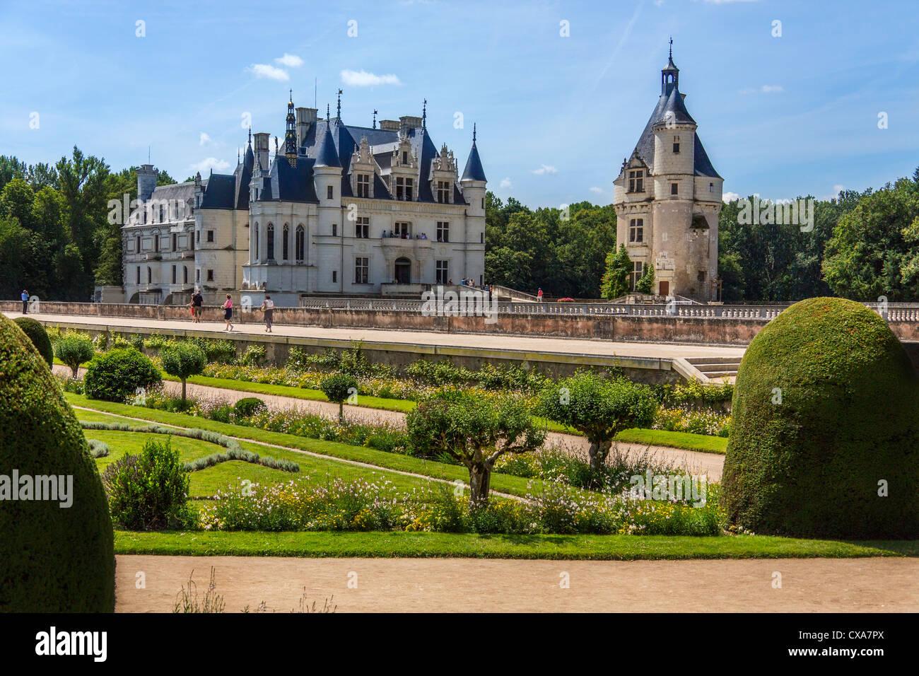 Château de Chenonceau spanning el río Cher en el Valle del Loira en Francia Imagen De Stock