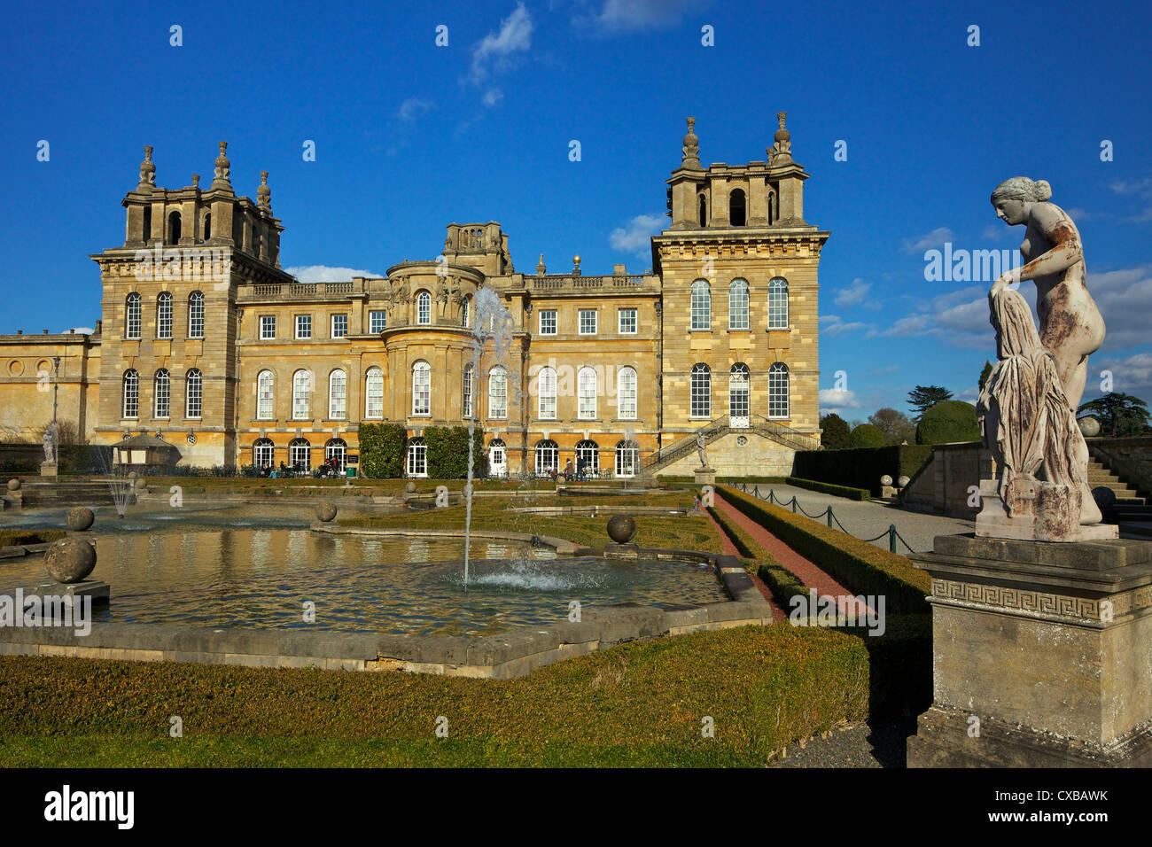 Los jardines de agua, el Palacio de Blenheim, Sitio del Patrimonio Mundial de la UNESCO, Woodstock, Oxfordshire, Imagen De Stock
