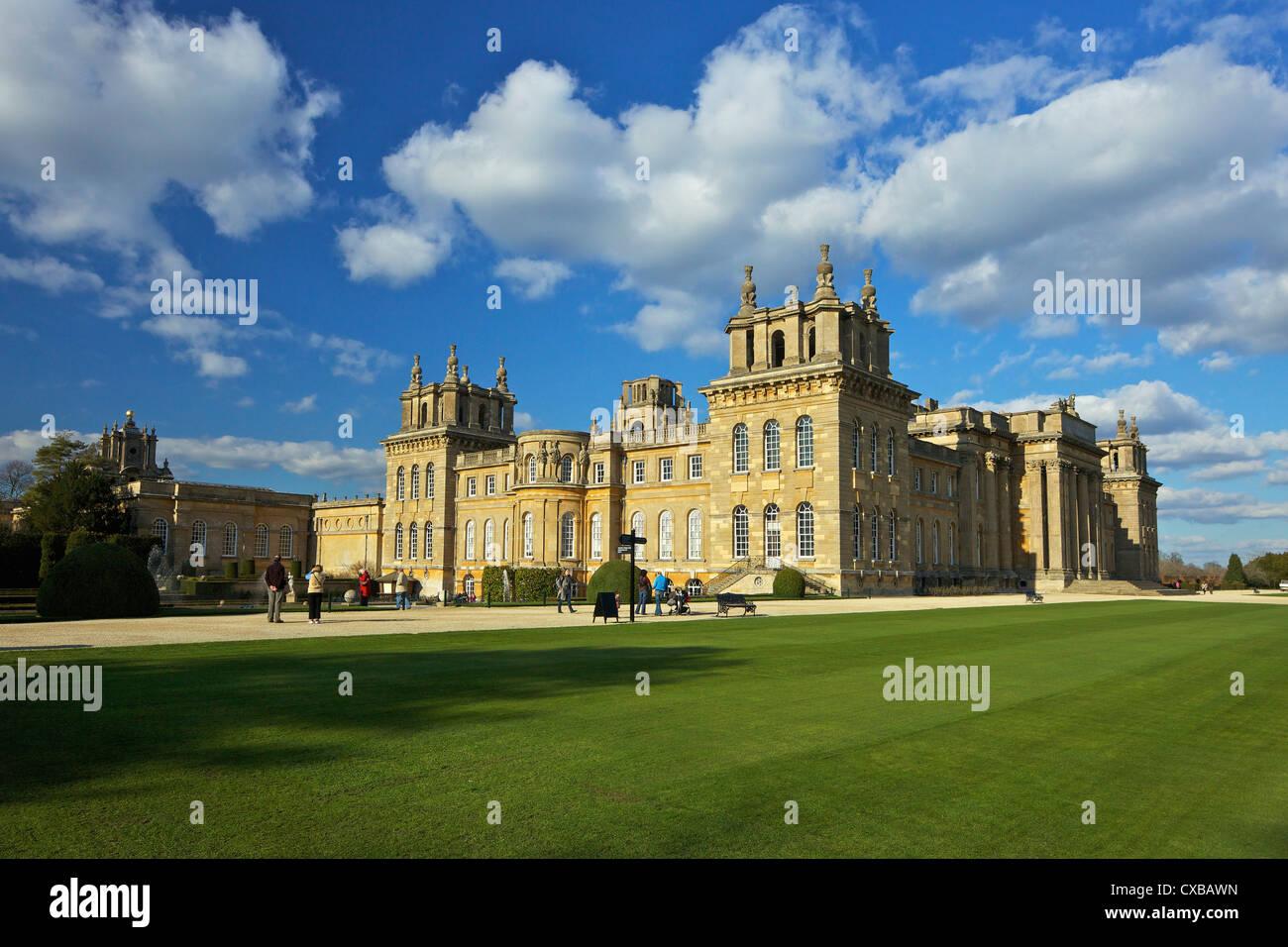 El Palacio de Blenheim, Sitio del Patrimonio Mundial de la UNESCO, Woodstock, Oxfordshire, Inglaterra, Reino Unido, Imagen De Stock
