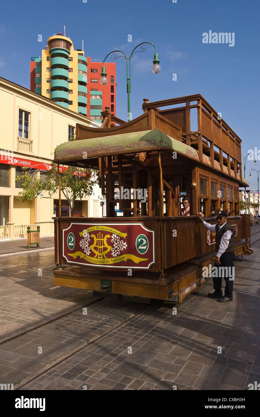 Elk198-2291v Chile, Iquique, Baquedano, carritos de transporte Imagen De Stock