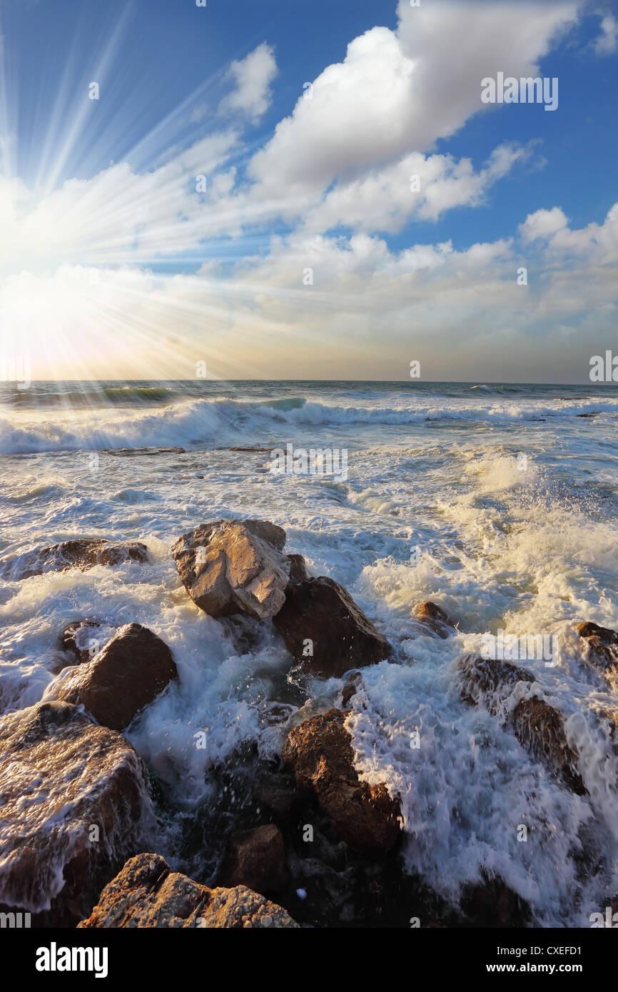 Hermosa puesta de sol sobre el Mediterráneo Imagen De Stock