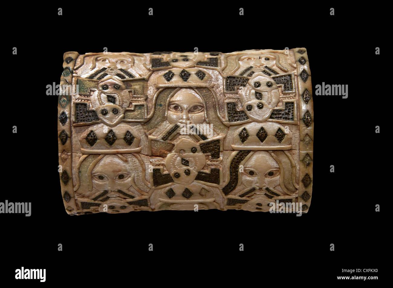 Pulsera 1550 - 1680 Tribunal de Nigeria Benin Edo pueblos de África de marfil Foto de stock