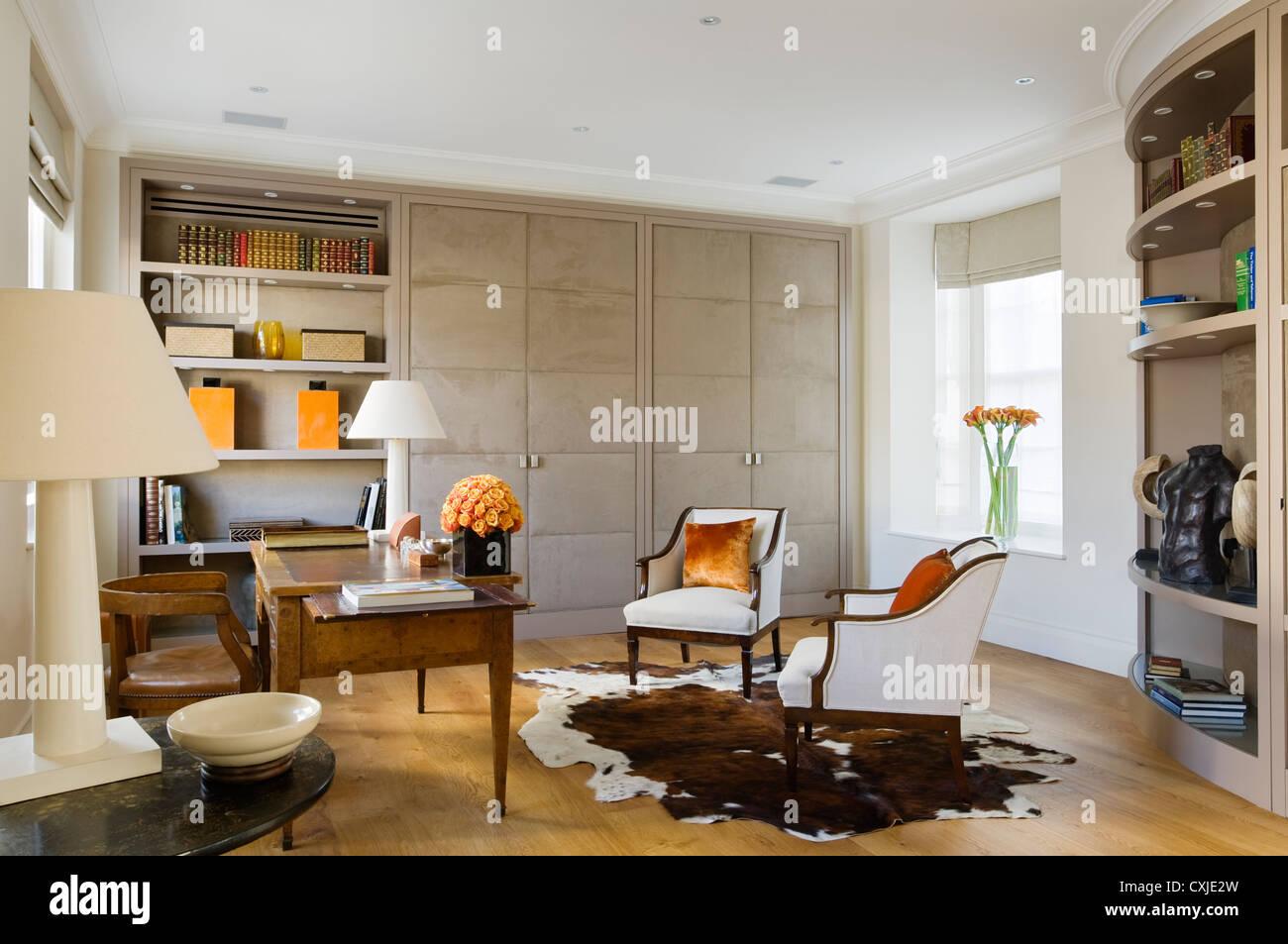 D a en color interior asientos de muebles estudio l mpara de escritorio silla estanter a mesa - Lampara estanteria ...