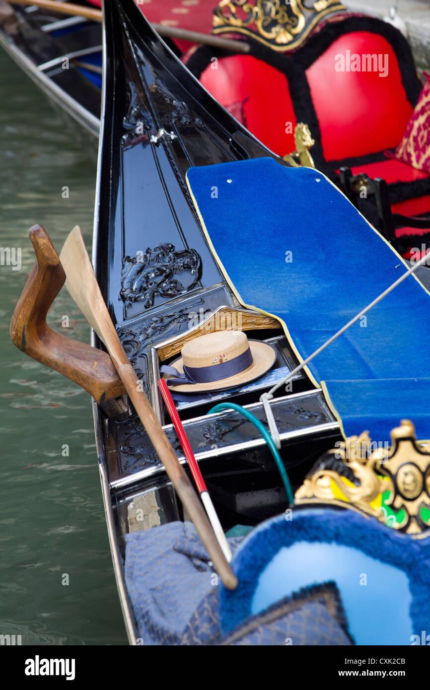 Gondola hat Imágenes De Stock   Gondola hat Fotos De Stock - Alamy 7f12ed6fa01