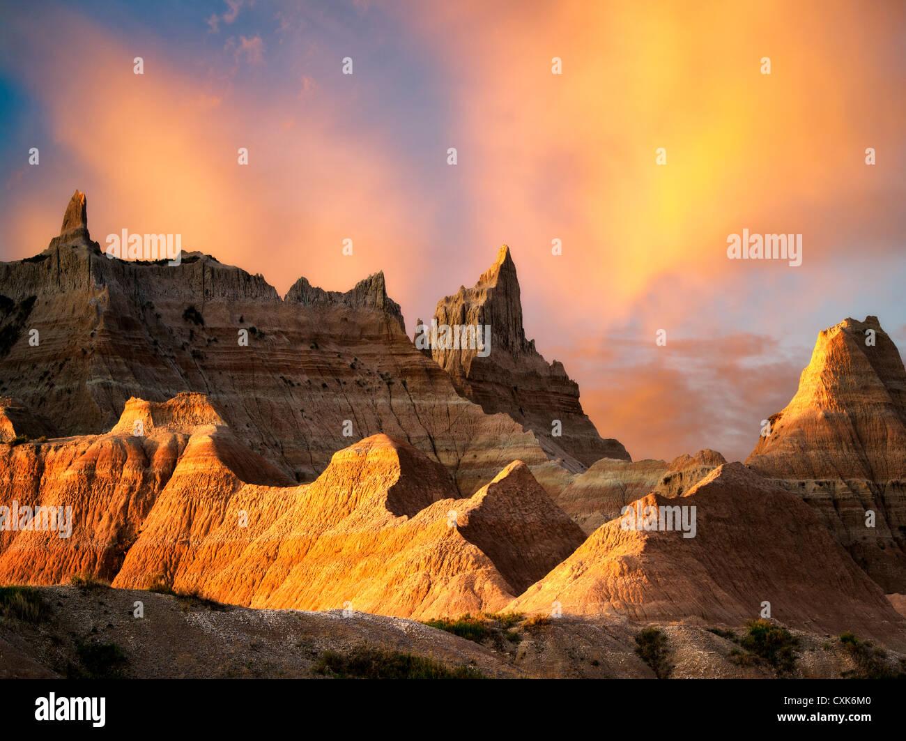 Formaciones rocosas erosionadas en el Parque Nacional Badlands, Dakota del Sur. Foto de stock