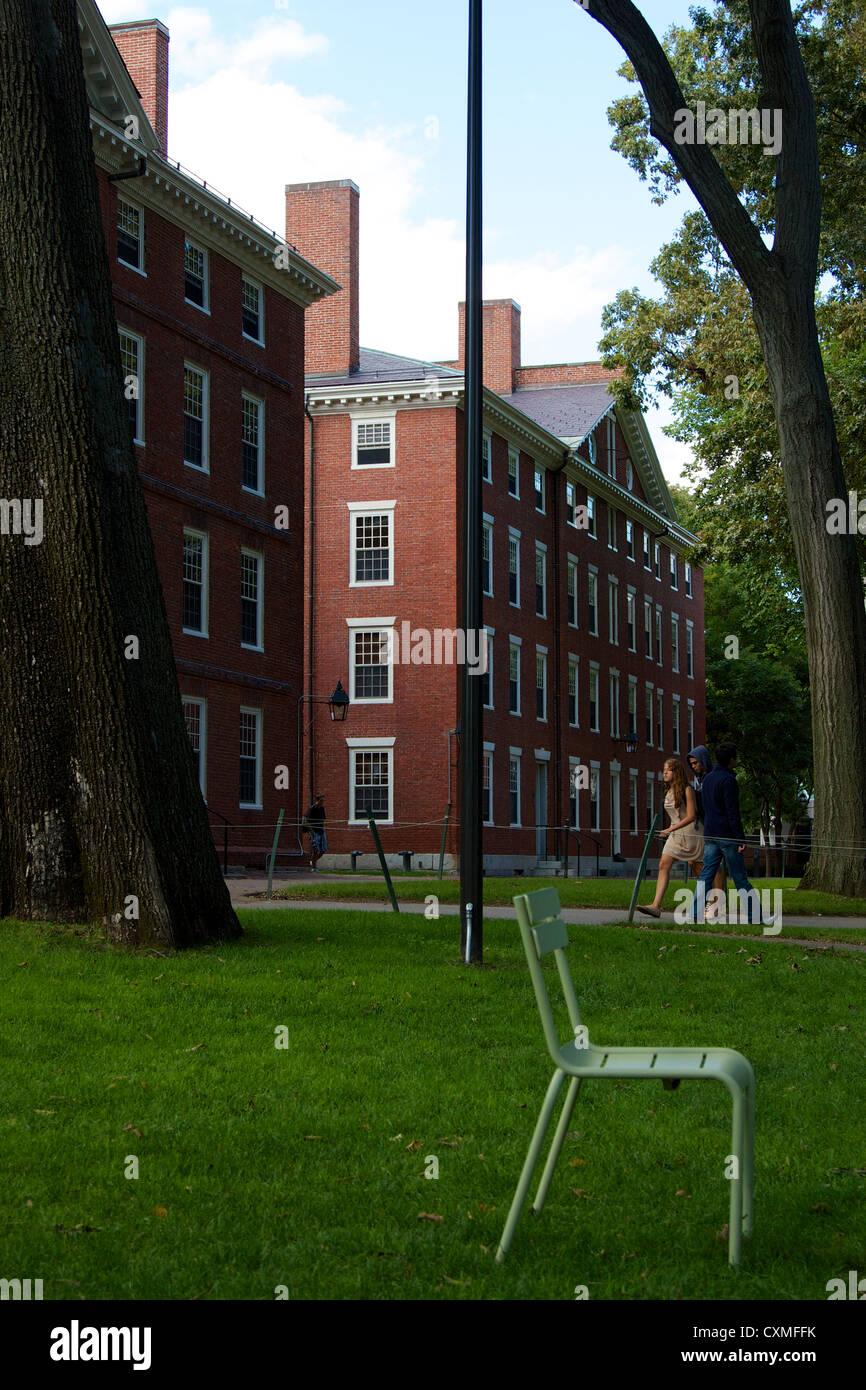Dormitorio edificios de ladrillo rojo en Harvard Yard, el viejo corazón del campus de la Universidad de Harvard Imagen De Stock