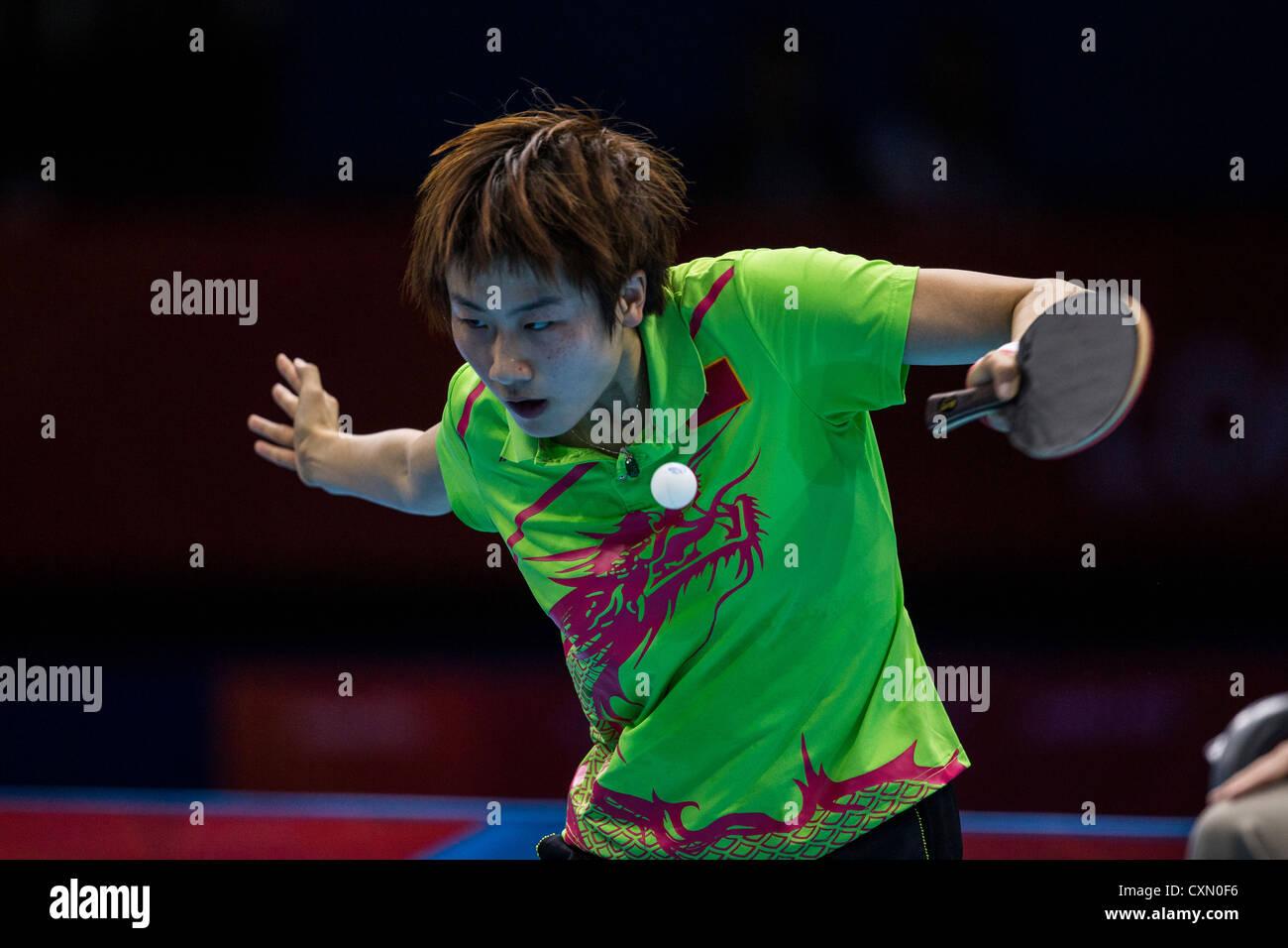 Ding Ning (CHN) gana el Women's tenis de mesa medalla de plata en los Juegos Olímpicos de Verano de Londres Imagen De Stock