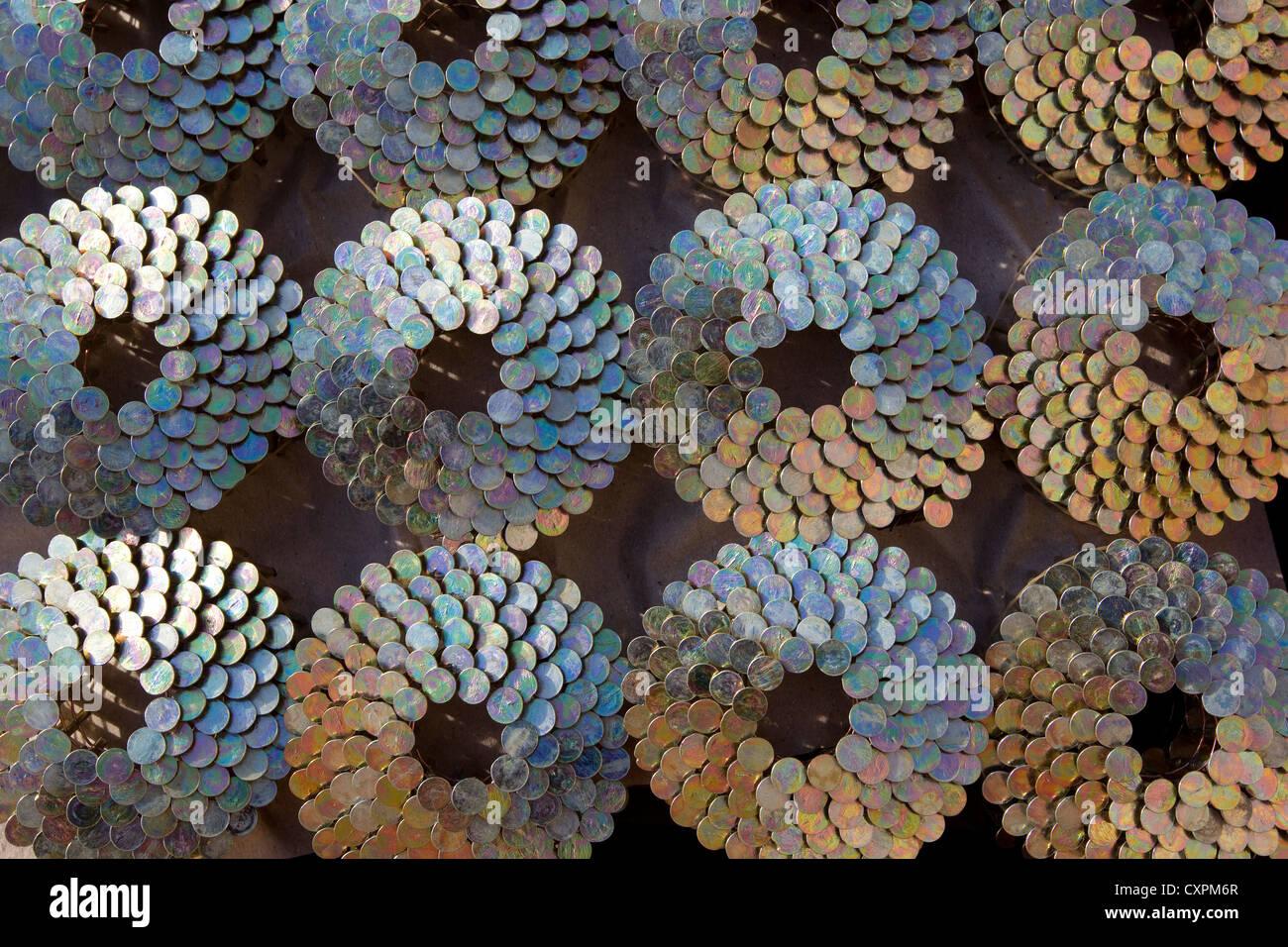 Rollos de pistola de clavos clavos techado, patrón de diseño Imagen De Stock