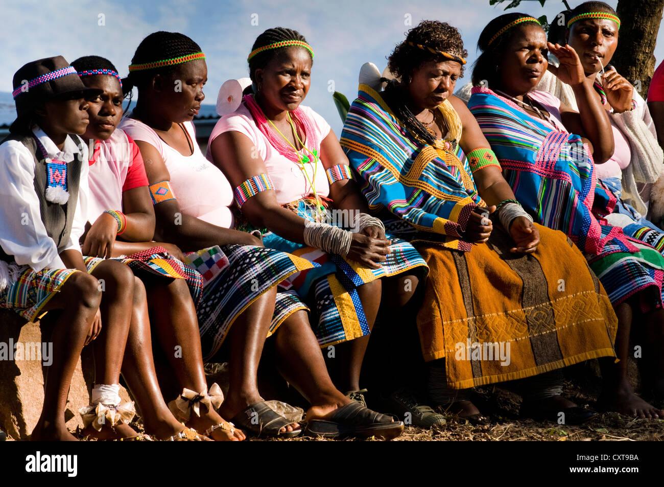 Las mujeres en una fiesta tradicional, Venda, Limpopo, Sudáfrica, África Imagen De Stock