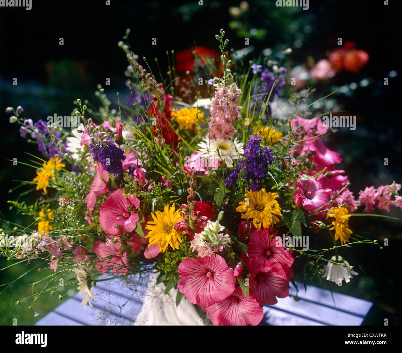 Still life flores al aire libre Imagen De Stock