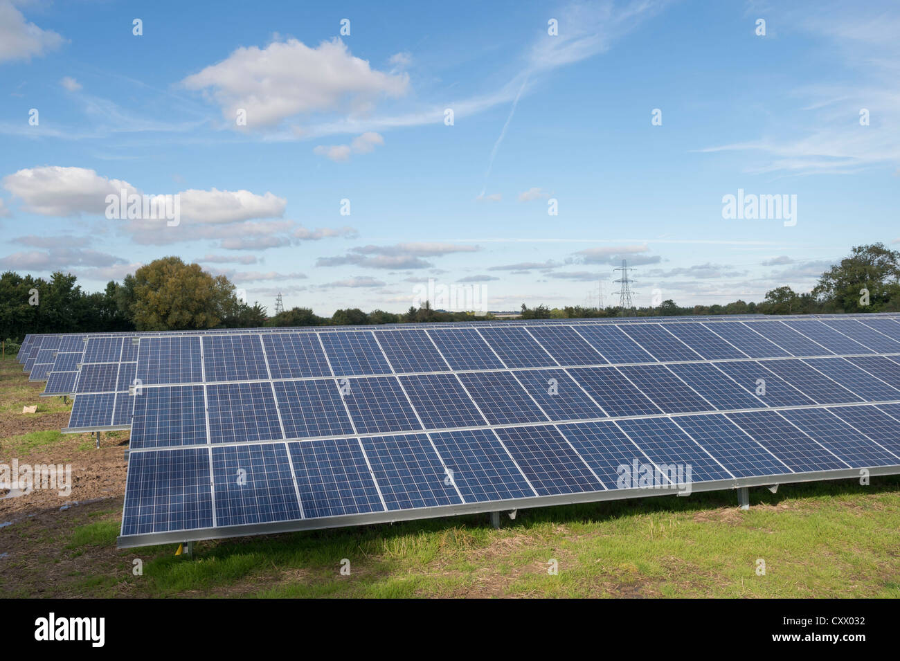 Los paneles solares están instalados en la granja, Westonzoyland Parkwall Road, Bridgewater. Imagen De Stock