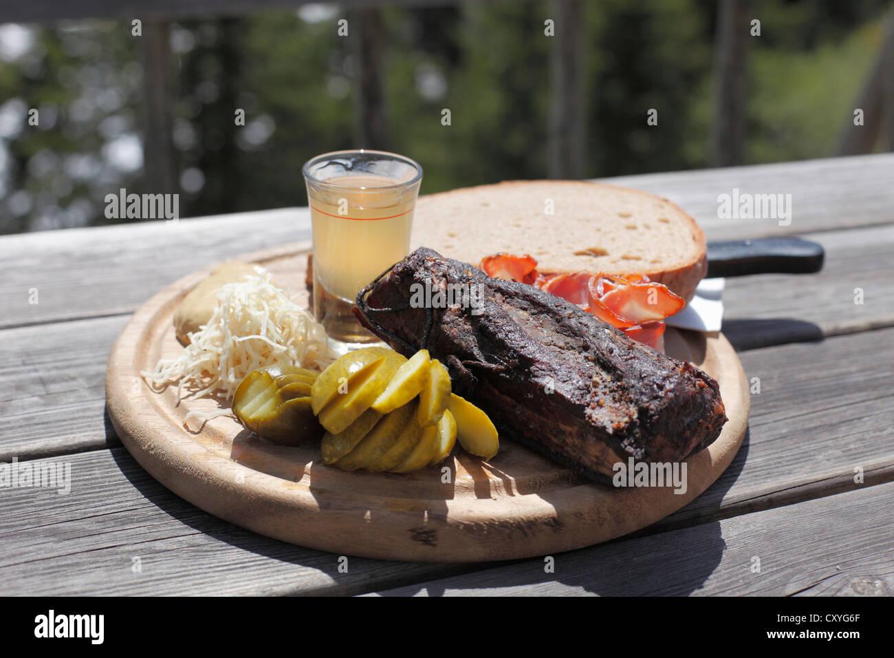 Bacon snack en el restaurante Gfoelleralm, Superior Stryria, Estiria, Austria, Europa Imagen De Stock