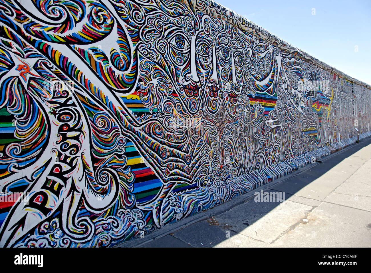 Resto del Muro de Berlín, East Side Gallery, Berlin Imagen De Stock