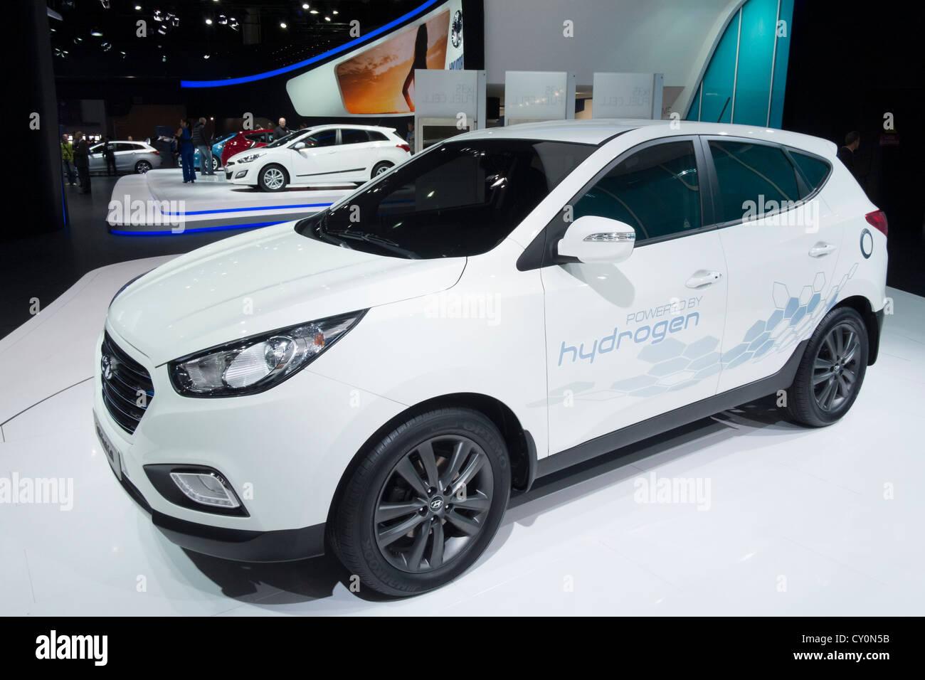 Concepto de la célula de combustible de hidrógeno Hyundai ix35 alquiler en Paris Motor Show 2012 Imagen De Stock