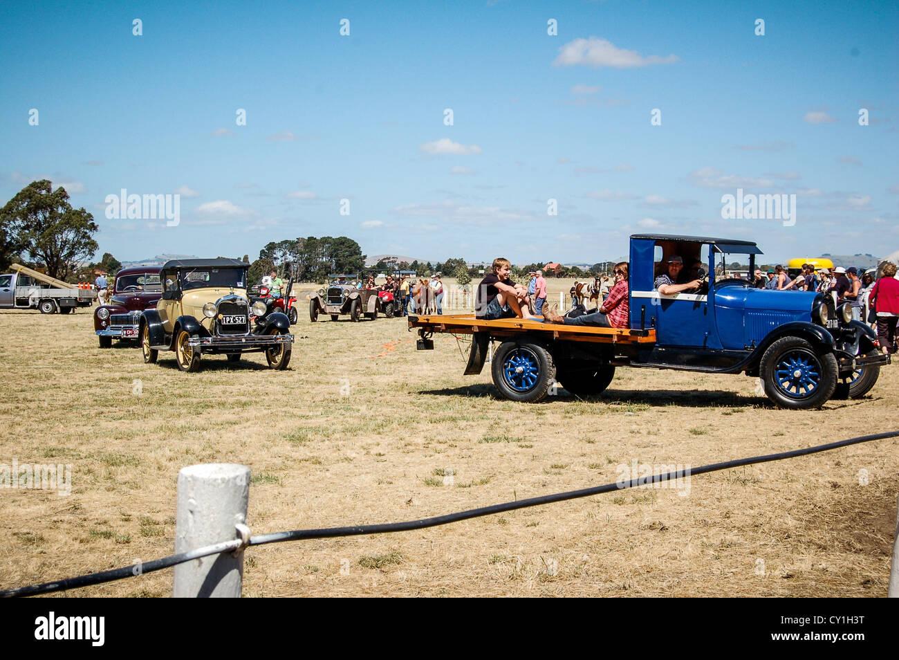 Vehículo antiguo desfile en Clunes anual muestran en la pequeña ciudad rural de Clunes, Australia. Foto de stock