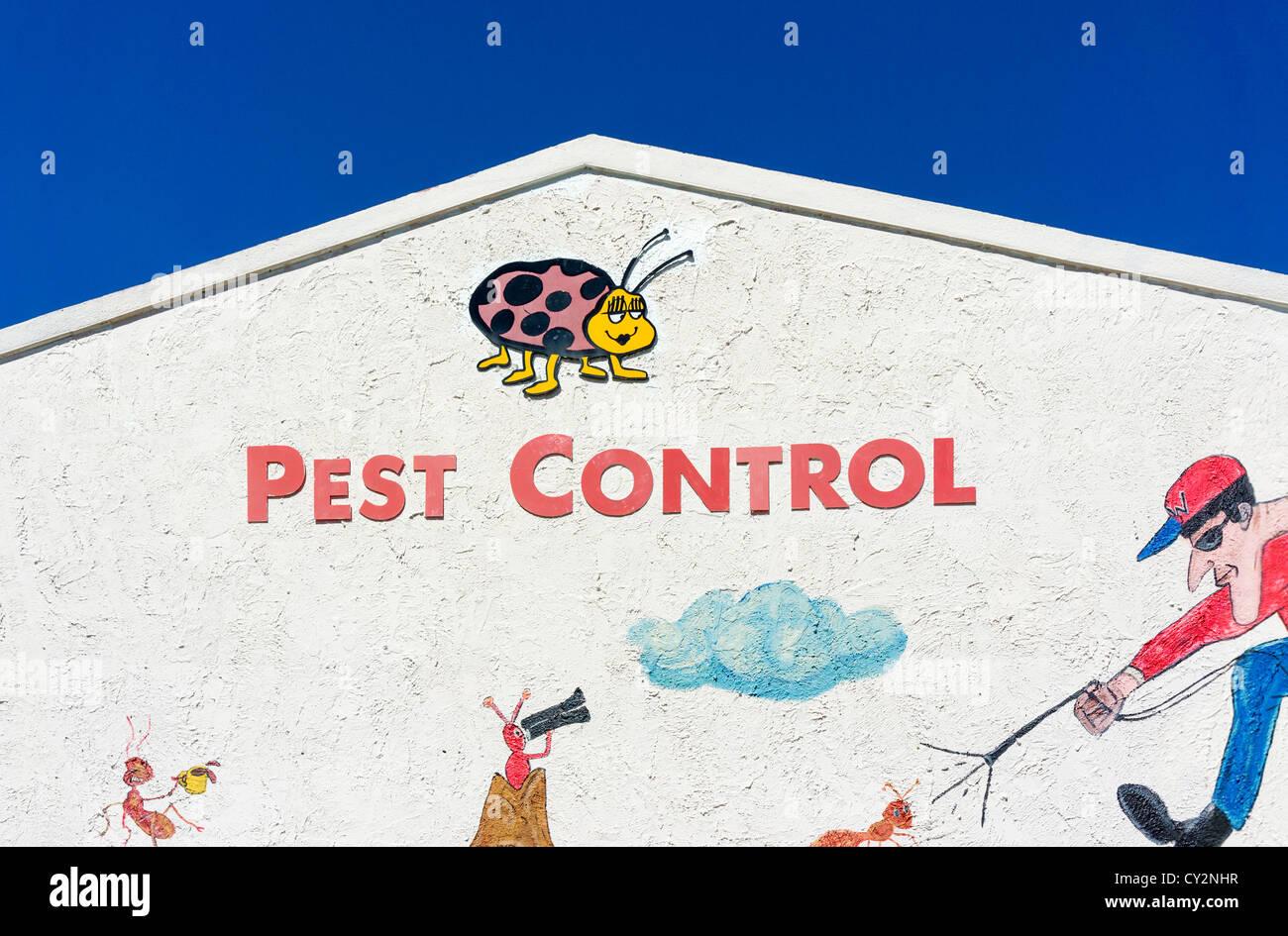 Una empresa de control de plagas en Dundee, Condado de Polk, Florida, EE.UU. Imagen De Stock