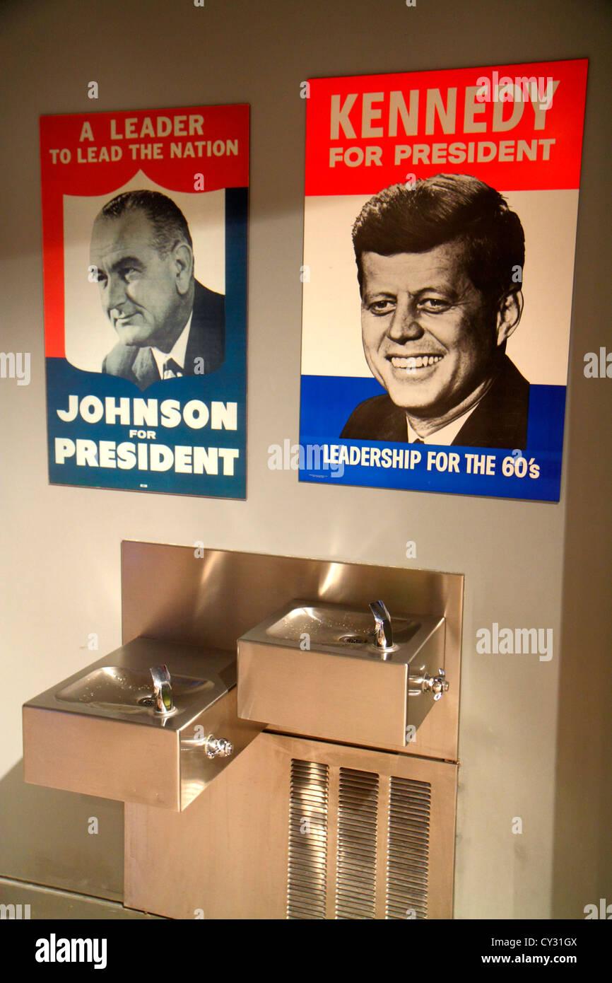 Boston Massachusetts South Boston JFK John F. Kennedy Presidential Library & y la exhibición del Museo Imagen De Stock