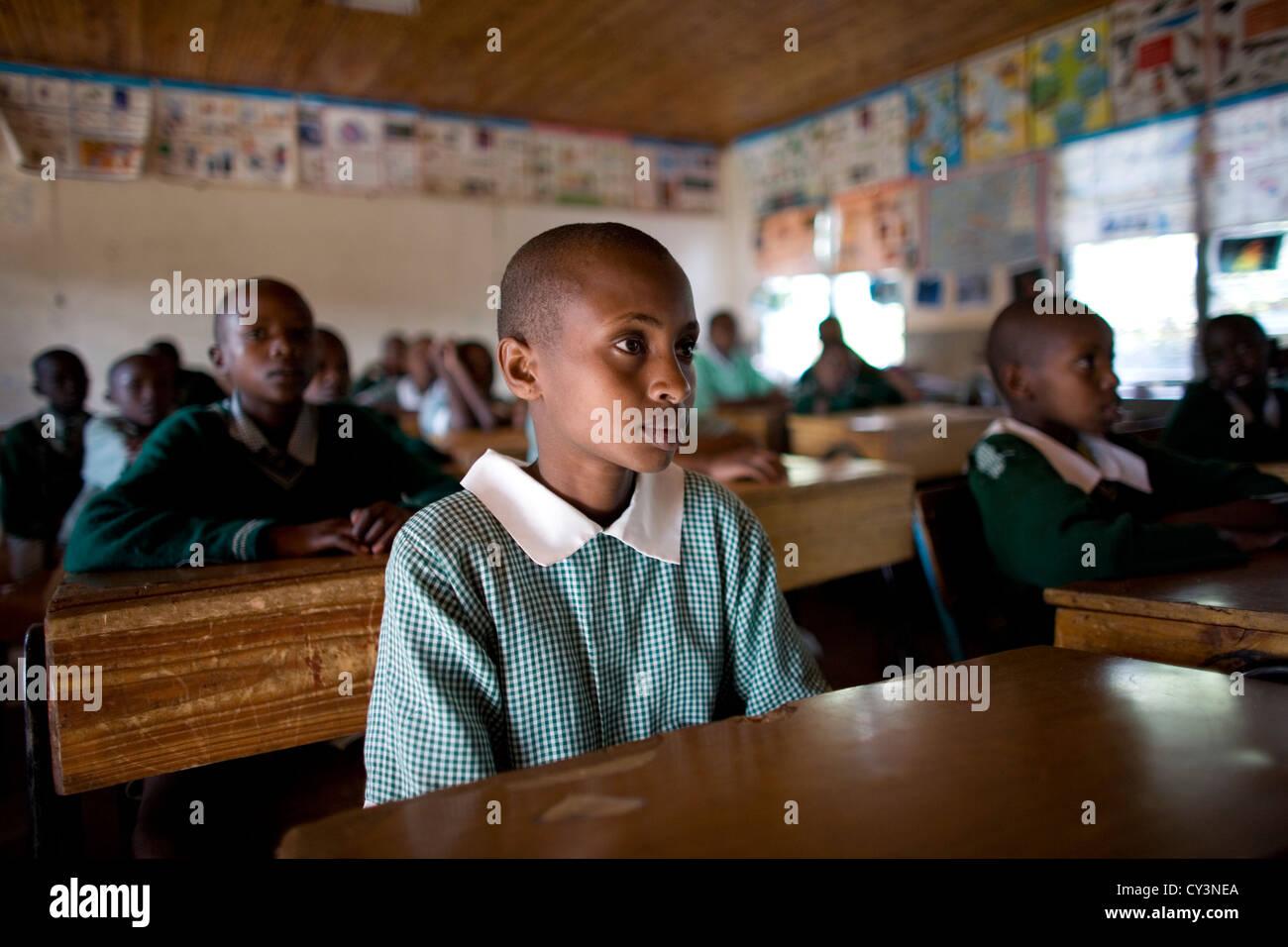 La escuela de la tribu Massai agricultores pobres de África la pobreza ma Imagen De Stock