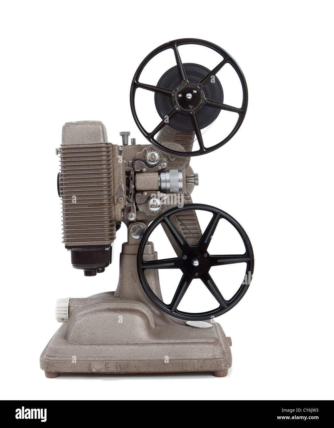 Un vintage 8mm proyector de películas sobre un fondo blanco. Imagen De Stock