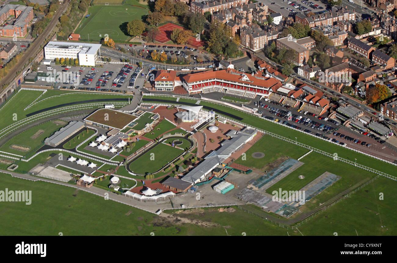 Vista aérea de las tribunas en el Hipódromo de Chester Imagen De Stock