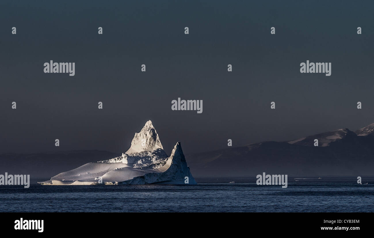 Ártico oriental de Groenlandia GROENLANDIA SCORESBYSUND ITTOQQORTOORMIIT Foto de stock