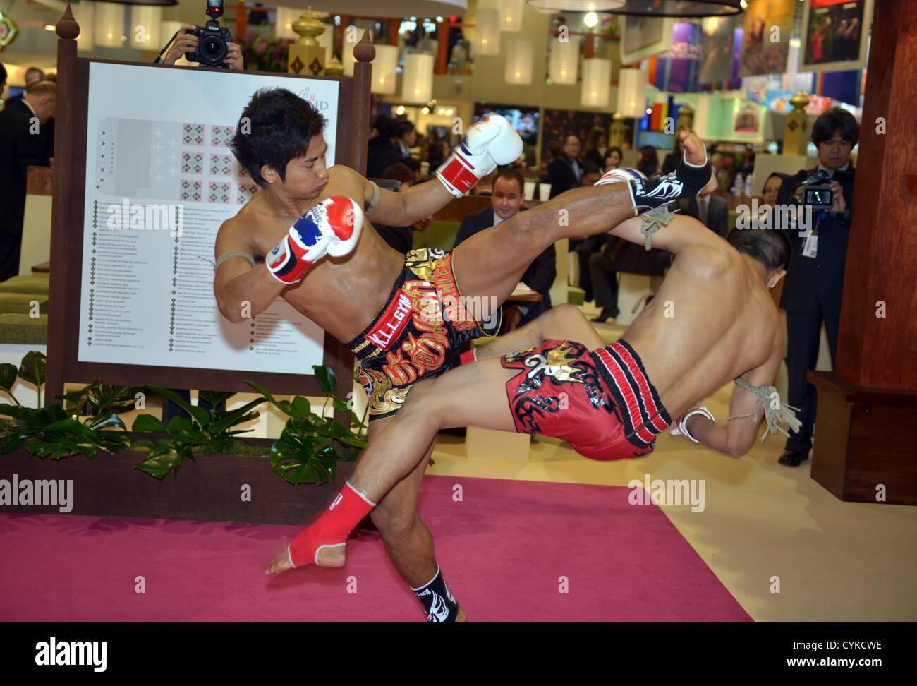 El World Travel Market de Londres, Reino Unido boxeo tailandés. Imagen De Stock