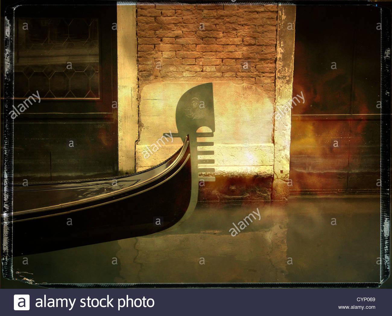 Arco de una góndola, Venecia, Italia Imagen De Stock