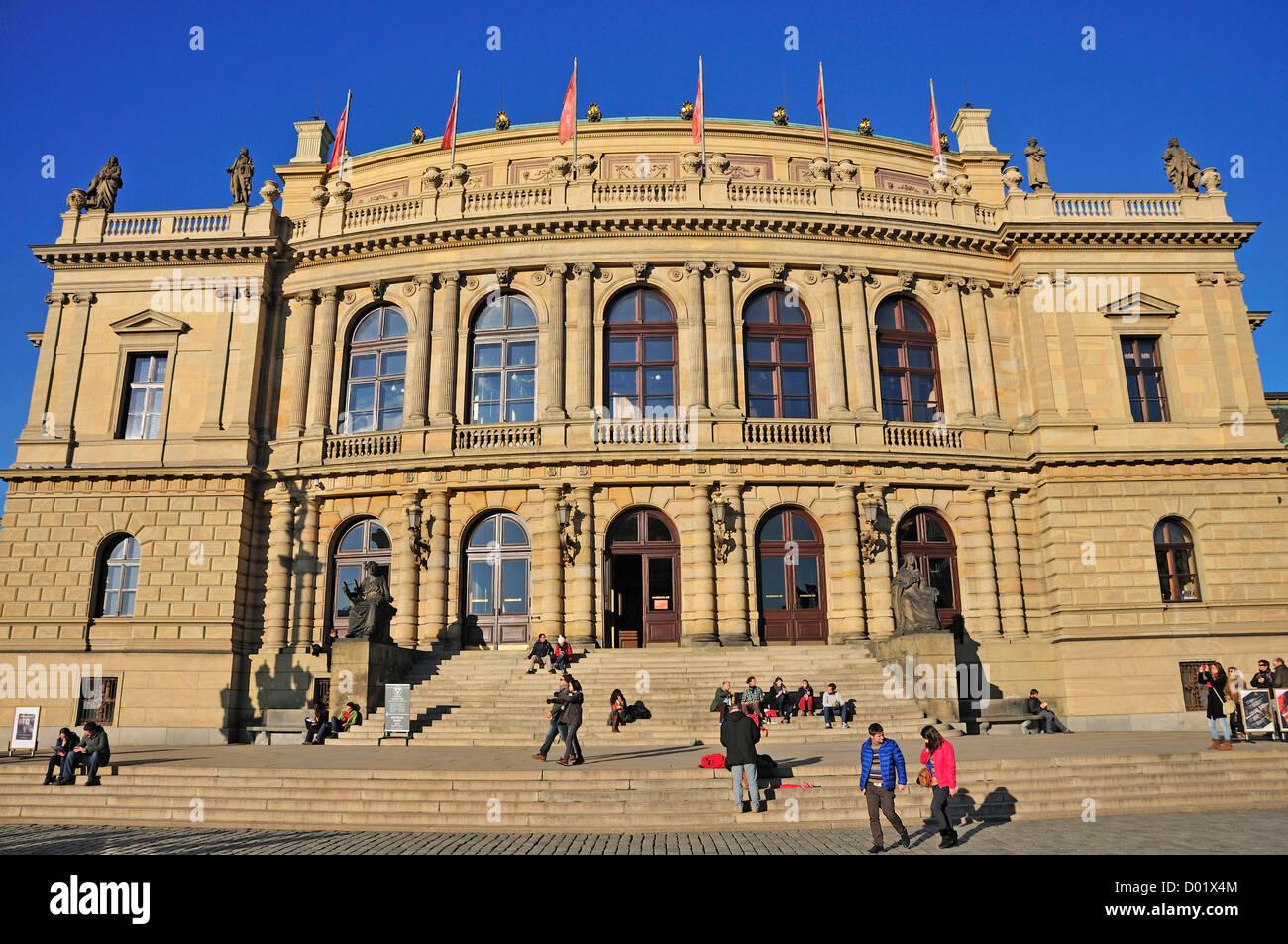 Praga, República Checa. Rudolfinum (Josef Zitek; 1875-84. neo-renacentista) sala de conciertos Foto de stock